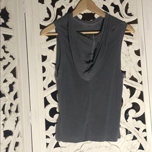 UO silence + noise muscle tank with hood